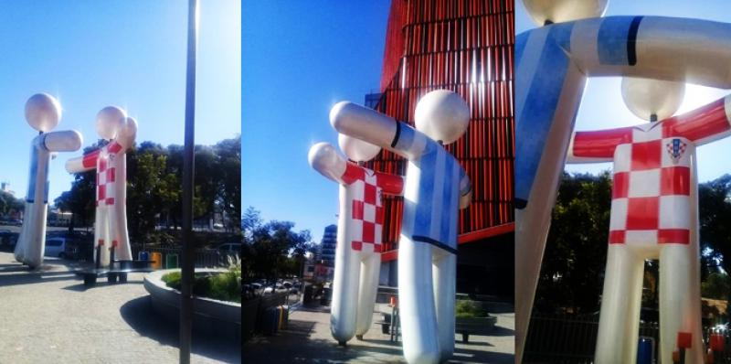 HRVATSKO-ARGENTINSKI ZAGRLJAJ Velike skulpture osvanule u Cordobi uoči nogometnog okršaja