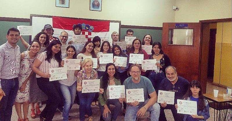 SVAKA ČAST Potomci hrvatskih iseljenika u Paragvaju 10 su mjeseci učili naš jezik, a sad su dobili i diplome