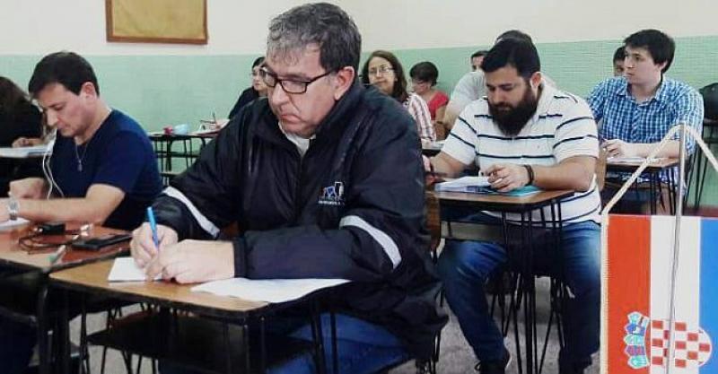 'PRIPREMAJU TEREN' ZA DOLAZAK U PRADOMOVINU Paragvajski Hrvati sjeli u školske klupe i uče naš jezik