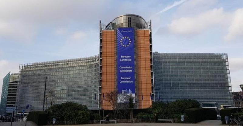 MUŠKARAC SE POKUŠAO ZAPALITI ISPRED EK U BRUXELLESU Francuzi objavili da se radi o Hrvatu, reagirali iz MVEP-a