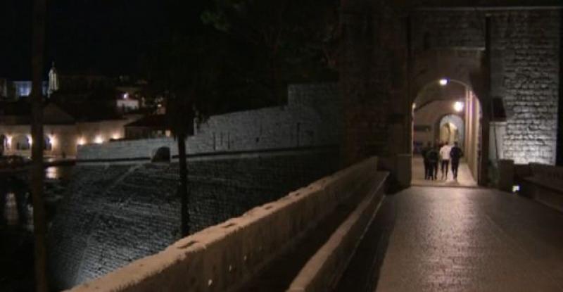 (VIDEO) NAPRAVLJEN NEOBIČAN GLAZBENI BROJ Poslušajte kako zvuči neprospavana noć u dubrovačkoj povijesnoj jezgri u srcu sezone