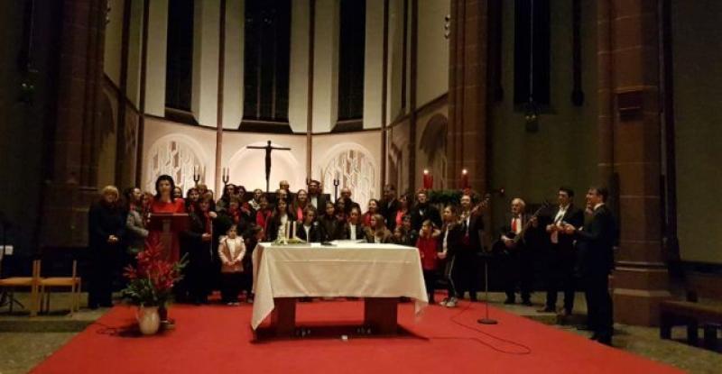 (VIDEO) PETI TRADICIONALNI BOŽIĆNI KONCERT I premijera klape Tavileo u Düsseldorfu