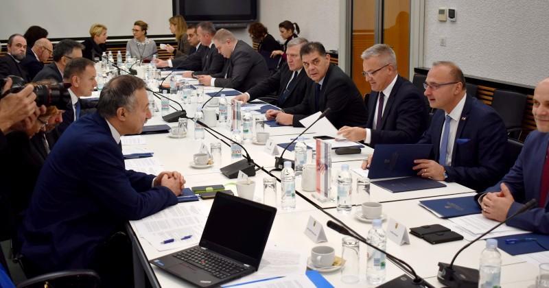 U ZADNJE TRI GODINE UČINJENO JAKO PUNO Hrvatska i Mađarska predstavljaju europski primjer dobre i uspješne suradnje u zaštiti hrvatske i mađarske manjine