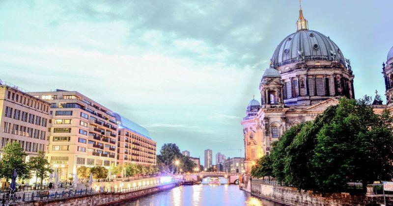 U NJEMAČKOJ ZATVORENO VIŠE FRANJEVAČKIH SAMOSTANA U deset godina broj franjevaca u Njemačkoj smanjio se za stotinu, prosječna dob im je gotovo 70 godina