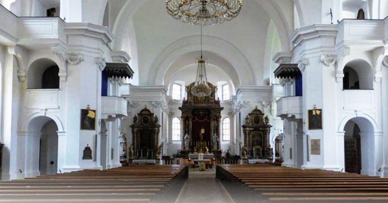 HRVATSKE KATOLIČKE MISIJE U AUSTRIJI ZBOG KORONE Otkazuju pobožnost Križnoga puta i svete mise do daljnjega