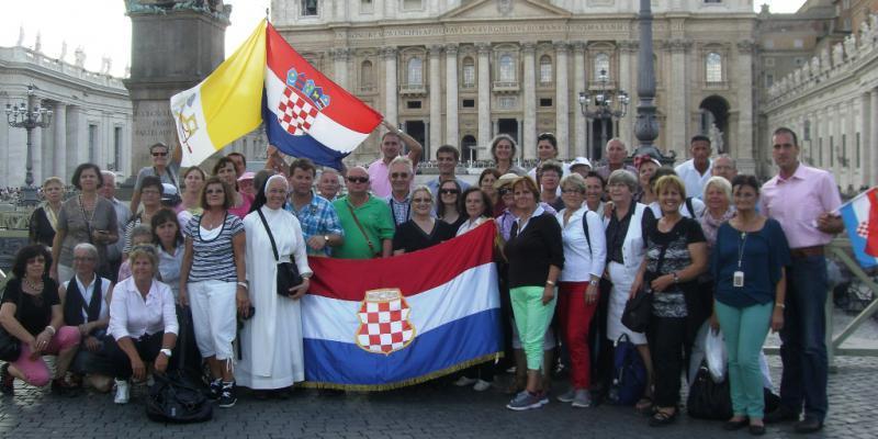 TKO I KAKO PREDSTAVLJA HRVATSKO ISELJENIŠTVO? Prof. dr. sc. Tado Jurić: 'Biračko pravo u XI. izbornoj jedinici za iseljeništvo konzumiraju samo Hrvati iz BiH'