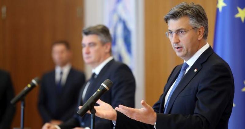 PLENKOVIĆ I MILANOVIĆ SLAŽU SE DA SE NE SLAŽU Predsjednik Vlade otkrio i zašto mu Predsjednik ide na živce