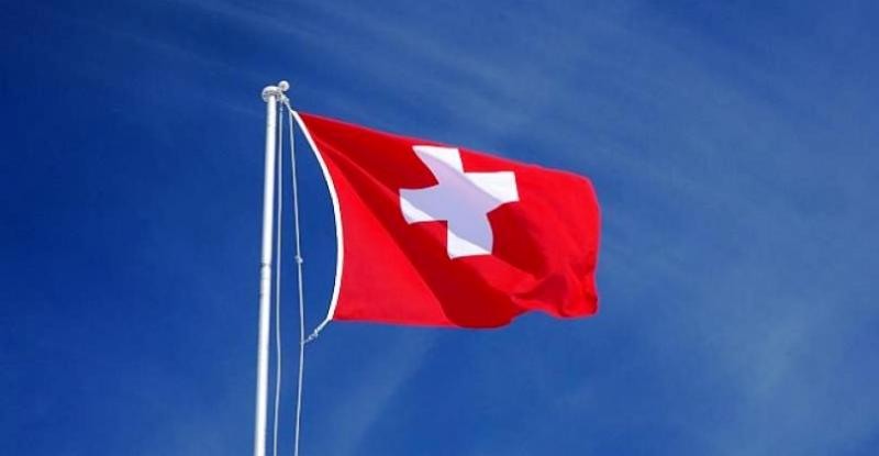 ZBOG POVEĆANOG BROJA ZARAŽENIH Švicarska razmatra ponovno pooštrenje restrikcija