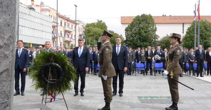 ANDREJ PLENKOVIĆ U KNINU 'Pijetet treba iskazati prema svakoj nevinoj žrtvi, bilo koje nacionalnosti'