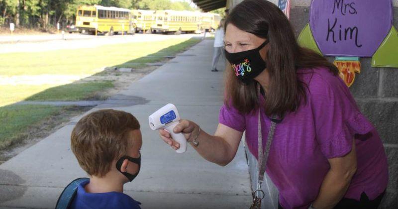 ŠTO NAS ČEKA NA JESEN Učenici će u školama, kao u Njemačkoj, maske nositi po hodnicima?
