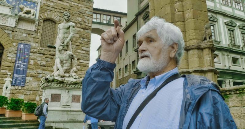 SVJETSKI POZNATI UMJETNIK IZ ČAVOGLAVA Australsko-hrvatski kipar Ante Dabro postao počasni građanin Drniša
