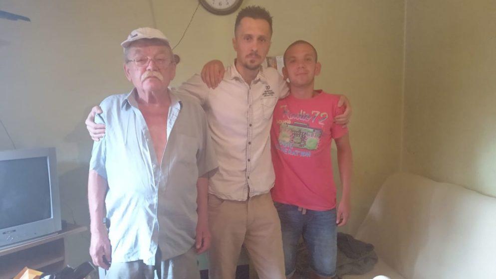 Vukovarcu nije bila dovoljna virtualna podrška, posjetio pretučenog mladića i njegova oca... Otkrio tužnu životnu priču