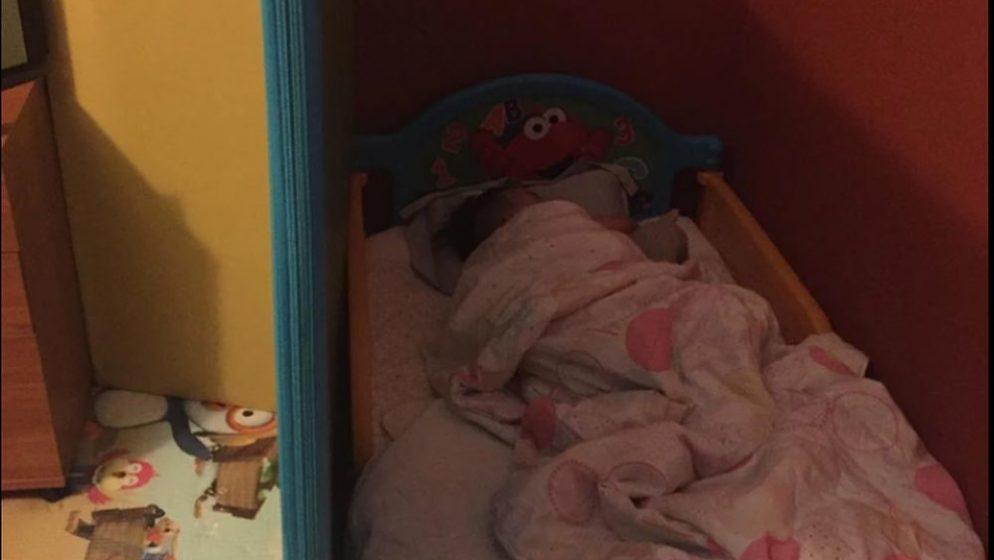 (FOTO) Njih četvero živi u jednosobnom stanu, zbog sna da ima svoju sobu, 4-godišnjak postao vijest na portalima