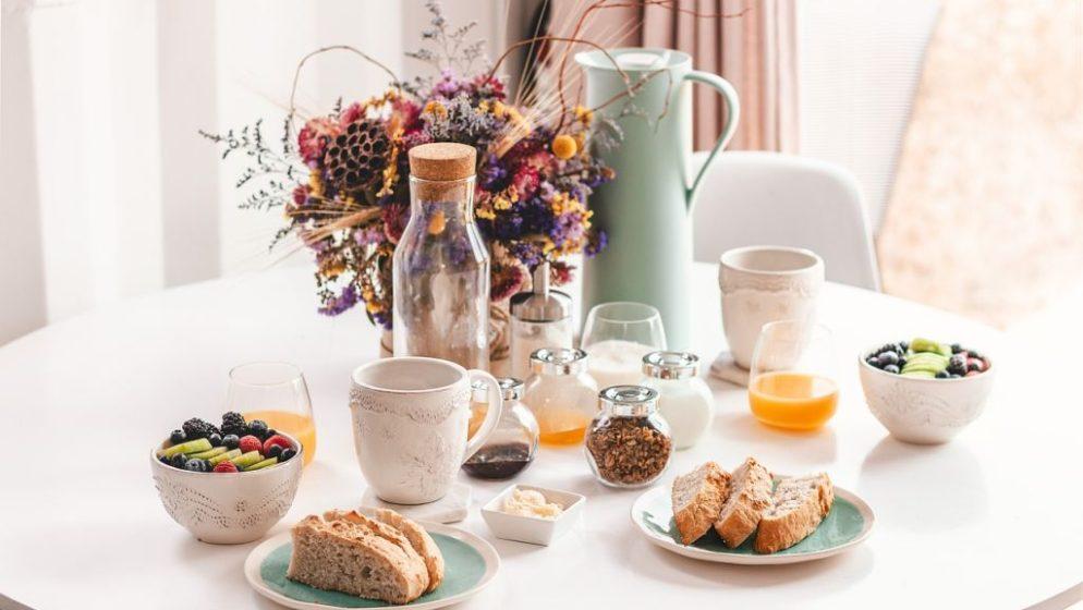 Hrvati za doručak najčešće jedu kruh s namazom i žitarice