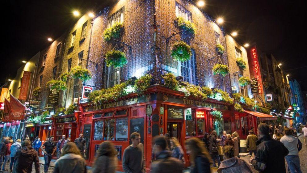 (VIDEO) Kako dijeliti životopise po Dublinu i dobiti posao što prije?