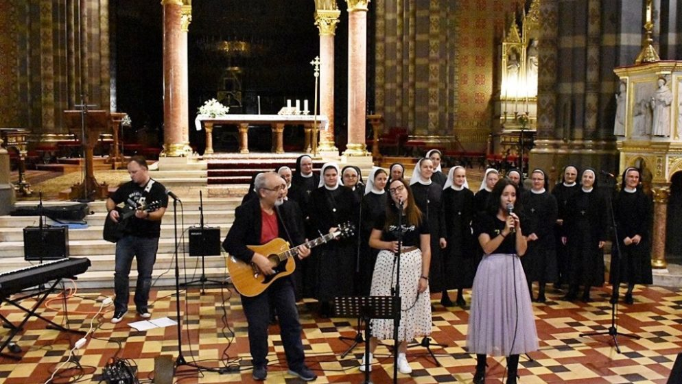 'Duhovna glazba je lijek za dušu i tijelo. Dok pjevamo i sviramo, Gospodin progovara kroz nas'