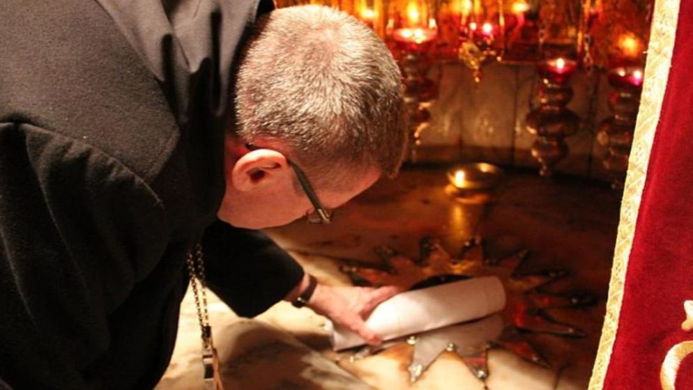 Želite da vaše ime na Badnjak bude položeno na mjestu Isusova rođenja? Prijavite se ovdje