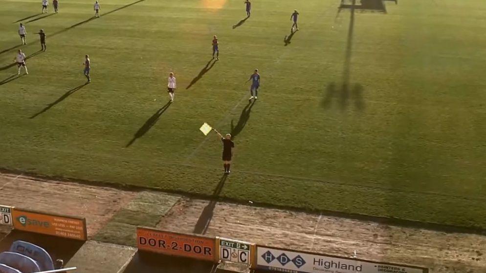 Kakav kaos u prijenosu utakmice! AI kamera stalno pratila pomoćnog suca