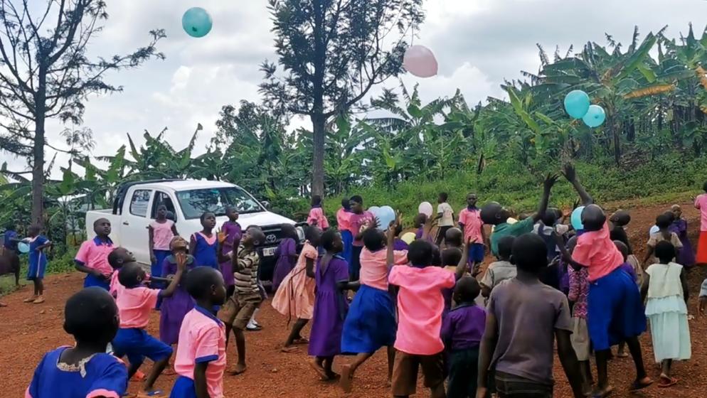 PLEMENITA AKCIJA MARTINE FIŠIĆ ZA DJECU UGANDE: 'U trenutku kada sam izvadila balone nastala je nevjerojatna vriska'