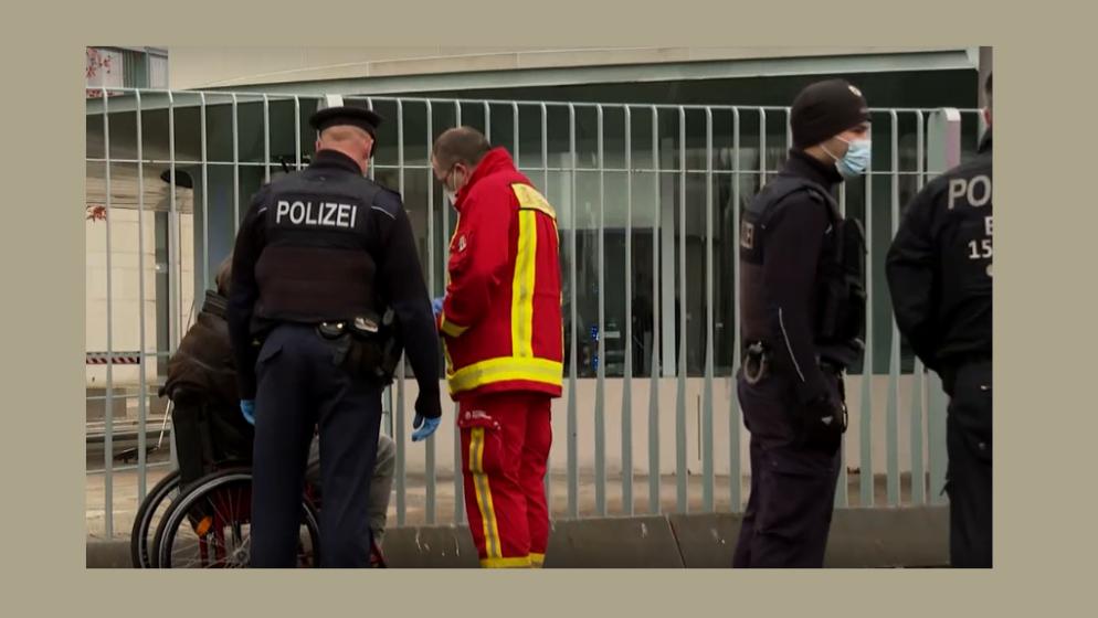 Njemačka policija: iza napada na Merkelin ured ne stoji ekstremizam