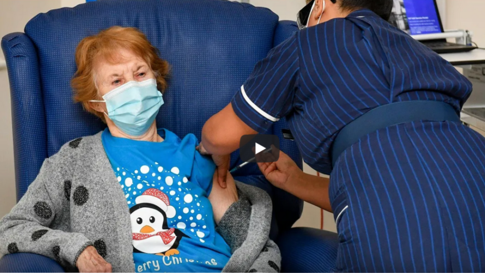 (VIDEO) Britanska baka prva na svijetu primila Pfizerovo cjepivo izvan ispitivanja