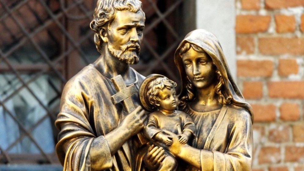 Naše obitelji stavimo pod zagovor SVETE OBITELJI i svetog IVANA apostola, Isusova namilijeg učenika