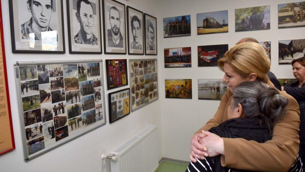 Bivša predsjednica volontirala u Petrinji: 'Bila je maskirana volonterka, bezimena, bez samopromocije'