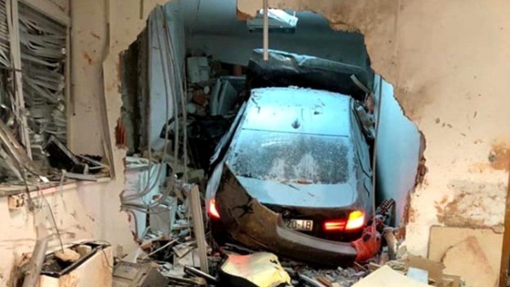 NA AUTOCESTI  A11 SISAK – ZAGREB – Jurio 140 i nije kočio kada se zabio u zgradu i ubio djelatnika HAC-a