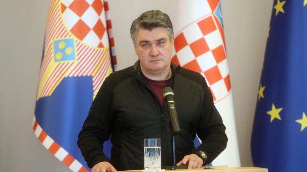 ZBOG OZNAKA 'ZA DOM SPREMNI' Milanović napustio protokol na obilježavanju Maslenice