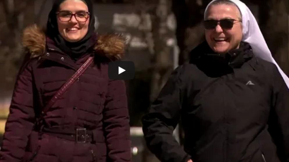 Njemačka televizija ZDF snimila reportažu o časnoj sestri milosrdnici Blanki i mualimi Šejli kako zajedno pomažu potrebitima u Livnu