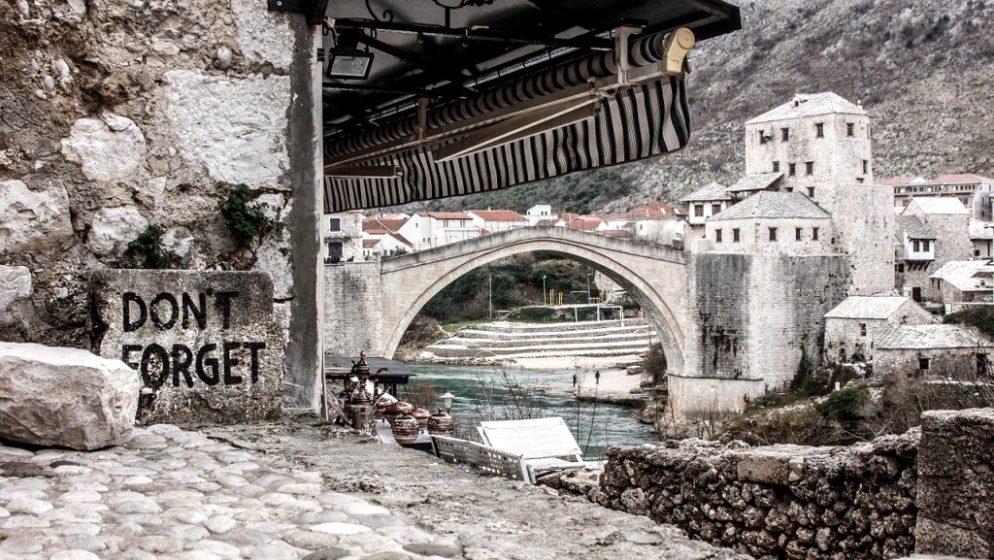 U Mostaru sve radi! Kafići, restorani, klubovi, trgovački centri… Baš sve…