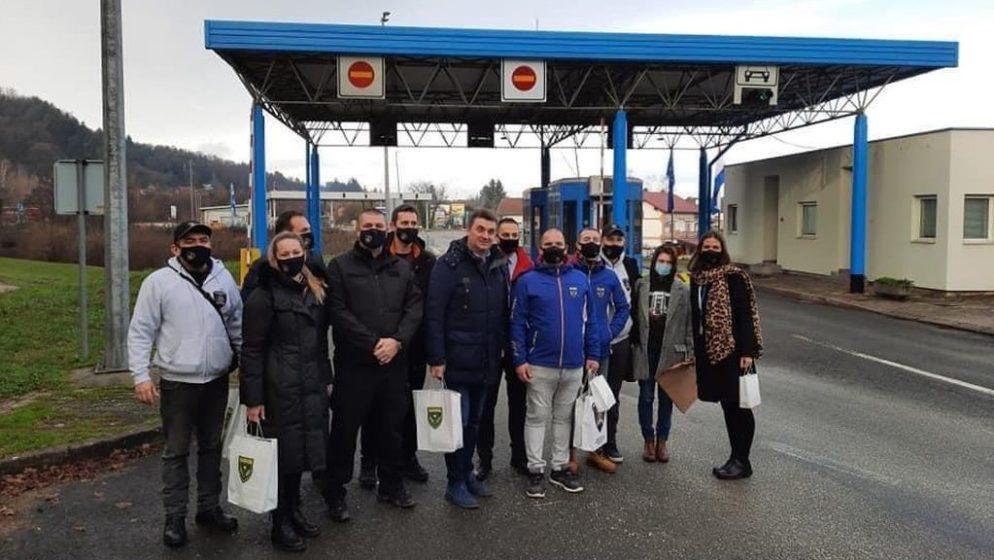 SUOSJEĆANJE NE POZNAJE GRANICE Policajci Slovenije pomažu kolegama stradalim u potresu