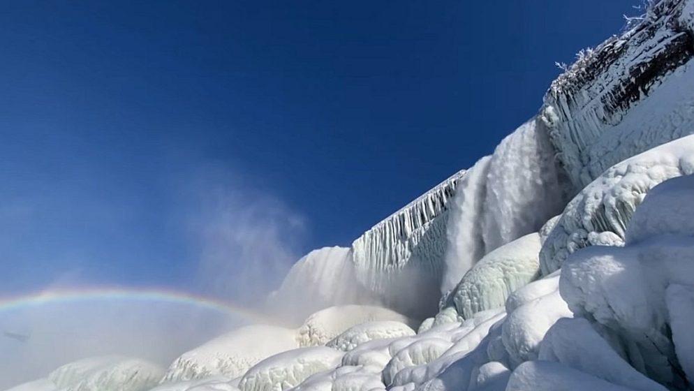 (VIDEO) Spektakularna snimka zaleđenih Niagarinih slapova