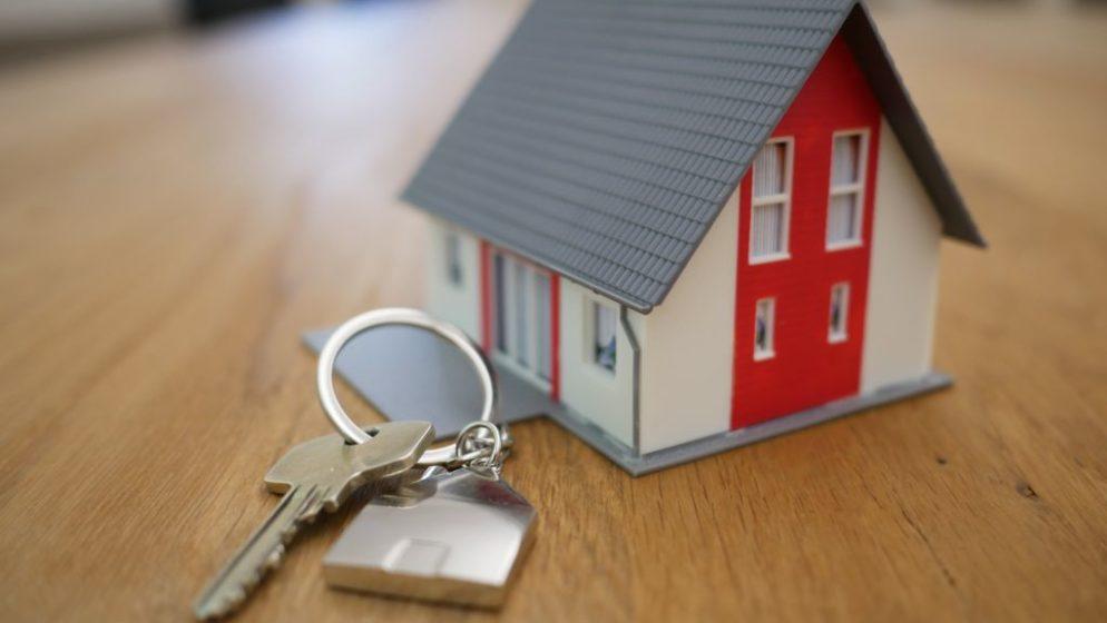 Znate li koliko dugo Hrvati moraju raditi kako bi kupili stan ili kuću?