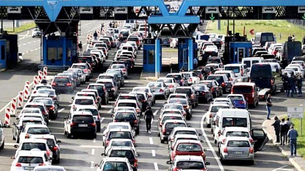 Slovencima se zabranjuje odlazak u države s 'crvenog' popisa, ali dopušta se ulazak