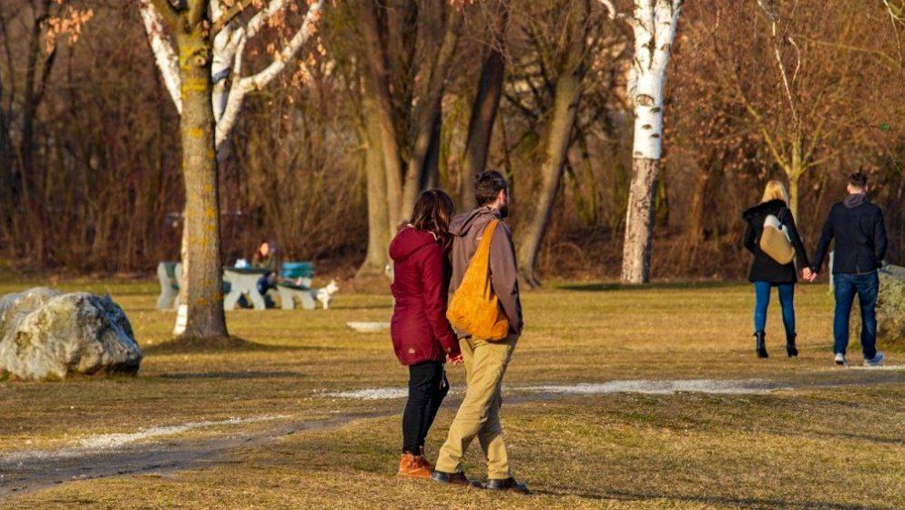 Sloveniji prijeti novi val epidemije, krivulje opet rastu