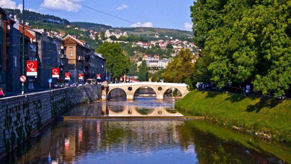 Sarajevska županija se zatvara i produžuje policijski sat