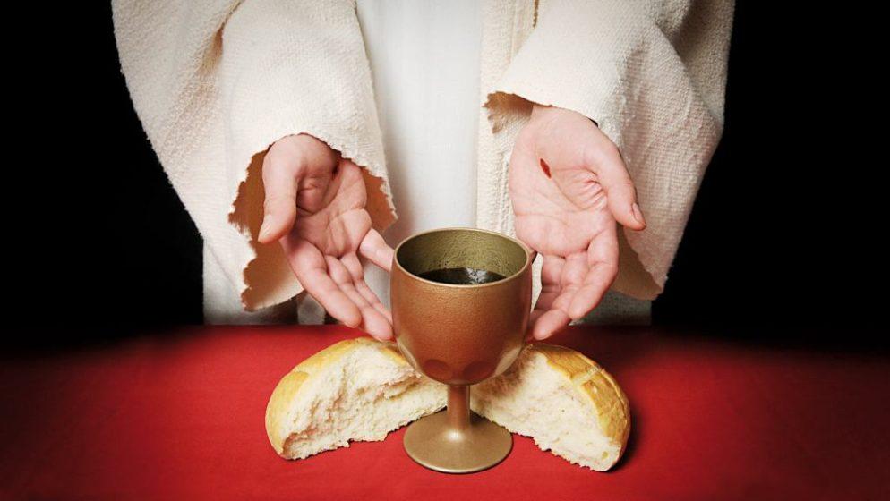 Prisjećamo se Posljednje večere, dana kada je Isus ustanovio Euharistiju i pozvao nas da je slavimo njemu na spomen