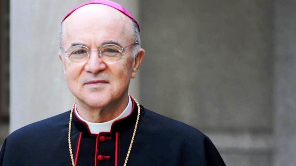 Nadbiskup Vigano uoči vatikanske konferencije o zdravlju: 'Umjesto krstionice, Covid religija predlaže cjepivo'