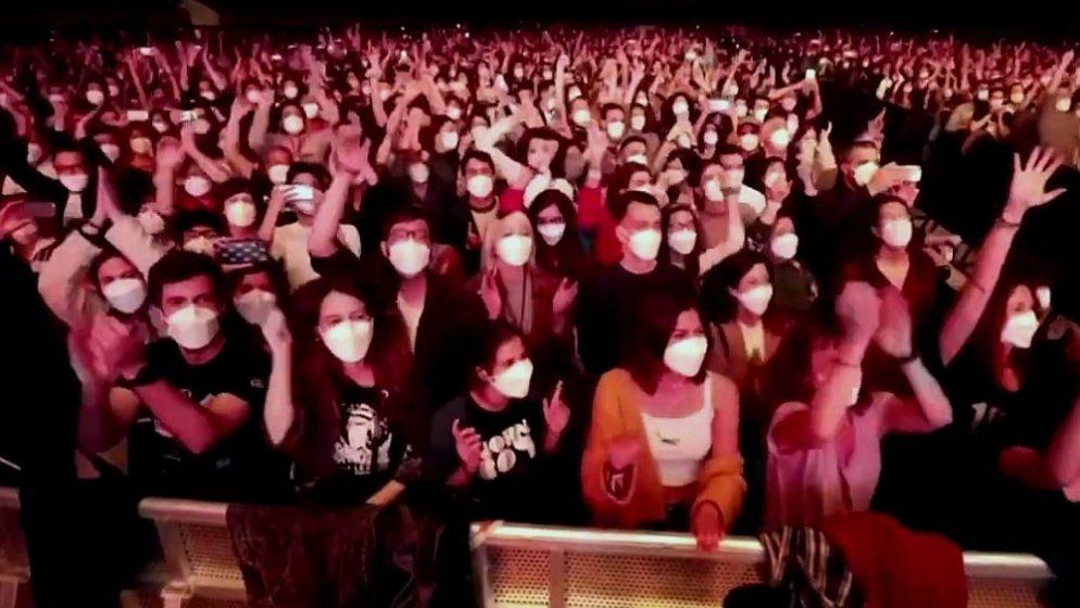 (VIDEO) U Europi održan najveći koncert od pandemije. Od 5 tisuća ljudi - zaraženo dvoje