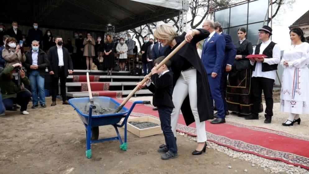 U Subotici postavljen kamen temeljac Hrvatske kuće, čiju je gradnju s 1,3 milijuna kuna podržala Vlada Hrvatske