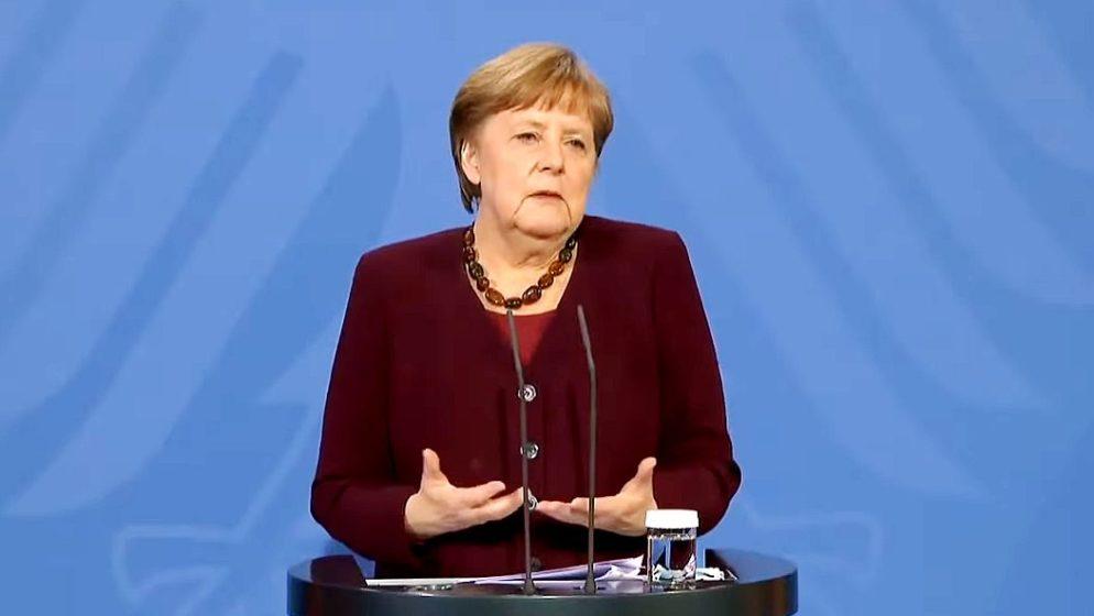 Angela Merkel objavila da će se u petak cijepiti AstraZenecom