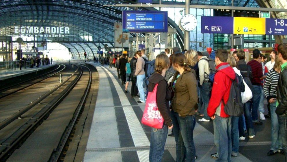 UREDBA EU-a: Ako vlak kasni duže od sat vremena, možete tražiti povrat novca