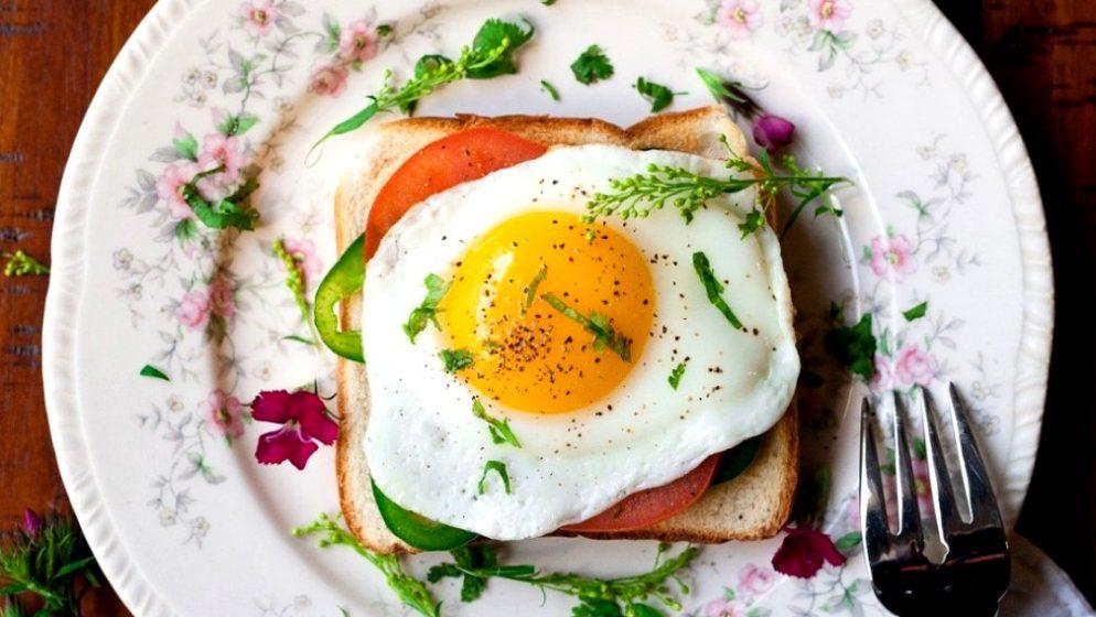 Smije li se korizmenim petcima jesti jaja, mlijeko i sir? Može li se, kad se posti, jesti riba?