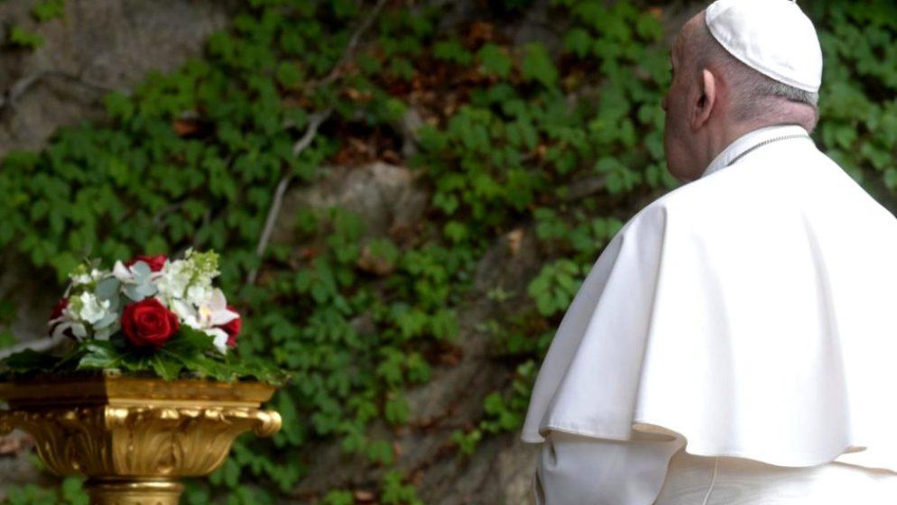 Papa za Dan planeta Zemlje upozorio da je čovječanstvo na putu samouništenja