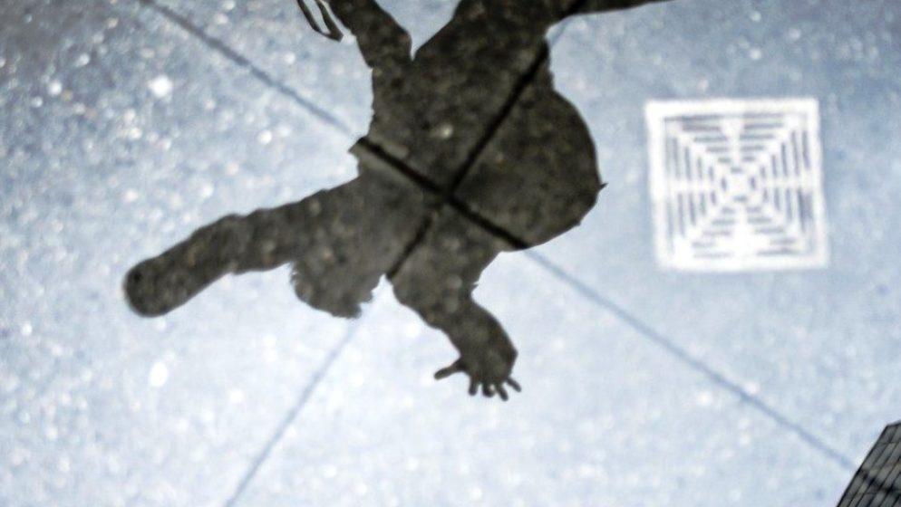 Mladić u Njemačkoj pao s balkona bježeći od 'Covid provjere'