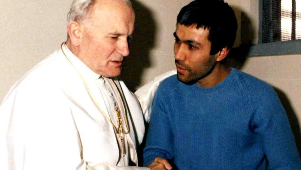 13. svibnja 1981., na blagdan Gospe Fatimske, Ivan Pavao II. upucan je na trgu sv. Petra u Rimu