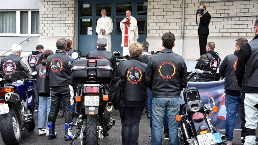 Tradicionalni blagoslov motorista i njihovih 'ljubimaca' u Hrvatskoj katoličkoj misiji Luzern (CH)