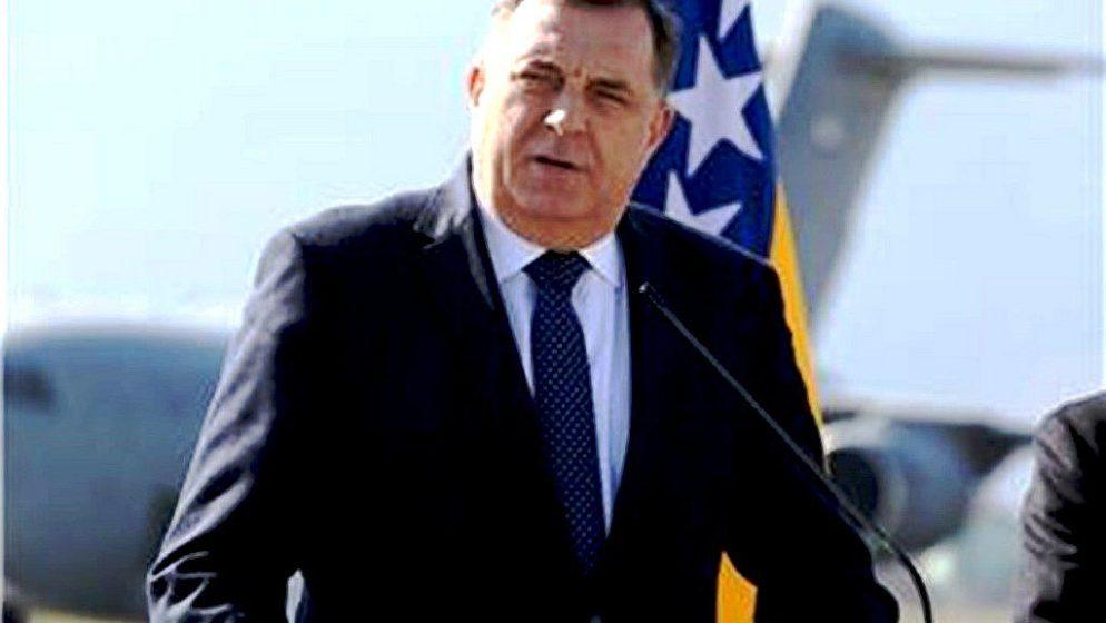 Dodik najavio da će bosanski Srbi 'bude li potrebe' mobilizirati svoju vojsku
