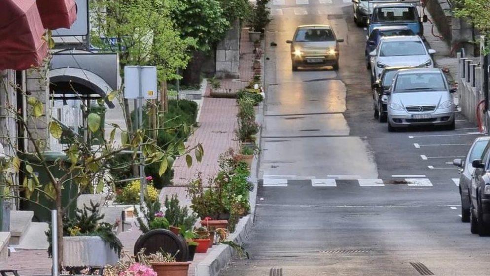 (FOTO) Stotine ukradenih posuda s cvijećem zakrčile Vrgorac!